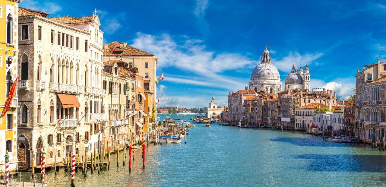 Benátky a zámok Miramare