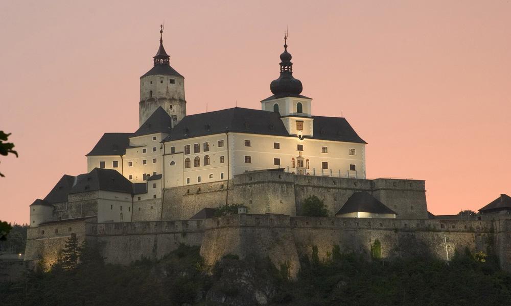 Eisenstadt + Forchtenstein - Po stopách Esterházyovcov v Rakúsku