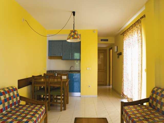 Ola Es Ravells Apartments
