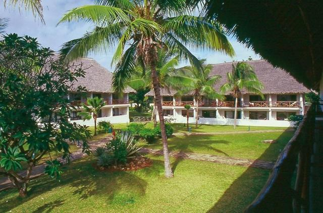 Sandies Tropical Beach Resort