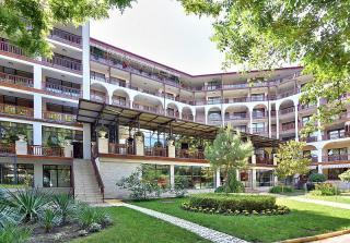 Estreya Palace and Residence