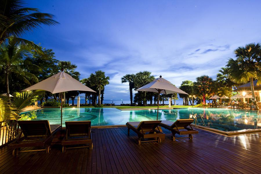 The Ravindra Beach Resort & Spa