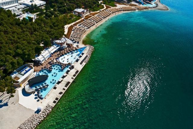 Beach hotel Jure