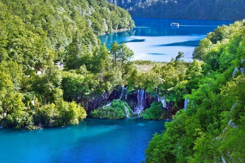 Nádherné Plitvické jazerá s pobytom pri mori