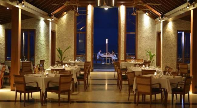 Paradise Island Resort & Spa - 6 Popup navigation