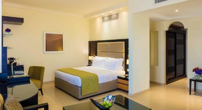 Bahi Ajman Palace Hotel - 8 Popup navigation
